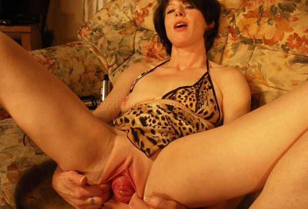 DirtyGardenGirl huge cervix prolapse